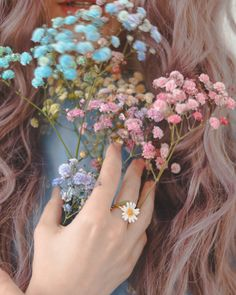 Always makes our hearts beat a bit faster with those little flowers. Daisy Ring, Angel Aesthetic, Women Jewelry, Fashion Jewelry, Garden Party Wedding, Animal Jewelry, Custom Jewelry, Sterling Silver Rings, Jdm