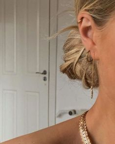 Innenohr Piercing, Spiderbite Piercings, Peircings, Ear Piercing Names, Unique Ear Piercings, Different Ear Piercings, Facial Piercings, Geode Jewelry, Ear Jewelry