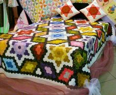 Hexagon Quilt, Hexagons, English Paper Piecing, Mosaic, Quilts, Blanket, Ideas, Retail, Scrappy Quilts