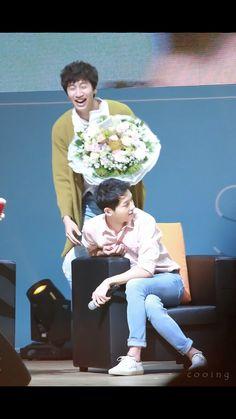 [HD] 160417 Song Joong Ki - 2016 'The Day We Meet Again' Fanmeet in Seoul Lee Gwang Soo surprise Him
