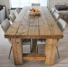 Eettafel hout maar dan met smalle witte poten