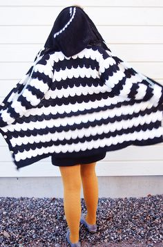 The greatest knit ever Crochet Art, Crochet Crafts, Knitting Projects, Knitwear, Diy And Crafts, Fashion Outfits, Sewing, How To Make, Jackets