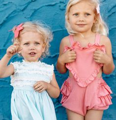 Introducing Wunderkin Co.'s 2017 Summer Collection. Releases on June 19th at 10AM MT. Classic hair bows for your baby, toddler, or little girls adventurous soul and free spirited style. Handmade in the USA and guaranteed for life.