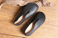 Handmade Soft Black Women ShoesOxford Shoes Flat Shoes Retro Leather Shoes Slip Ons by HerHis
