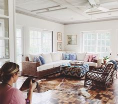 Thanks @melissajerace for allowing me to help style and photograph your gorgeous home ! Your amazing! And this rug from @zealliving is 💣 I can't wait to show y'all the pics! #apartmenttherapy #sodomino #dscolor #carleypagestyling #carleypagephotography #jungalowstyle #theeverygirl #thatsdarling #decordetails #dsnicerug #dstexture #interiorstyling