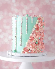 "This design has been a popular request lately! Here's a more spring appropriate version adorned with ""Bubbly"" by 💚🌸🌷 Pretty Cakes, Cute Cakes, Yummy Cakes, Candy Birthday Cakes, Beautiful Birthday Cakes, Cake Decorating Designs, Cake Decorating Techniques, Beautiful Cake Designs, Beautiful Cakes"
