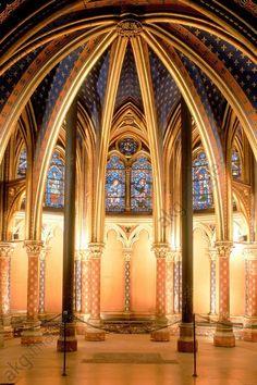 Paris (France), 1st arrondissement, Ile de la Cité, Palais de Justice, Sainte-Chapelle (royal double chapel, built from 1243–48 by Pierre de Montreuil).  Interior: choir of lower chapel.