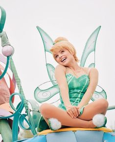 Walt Disney Characters: Part of the magic of visiting the Walt Disney World resort, especially for children, involves the opportunity. Disney World Resorts, Disney Parks, Disney Pixar, Tinkerbell Disney, Disney Fairies, Tinkerbell Drawing, Disney Cosplay, Disney Costumes, Adult Costumes