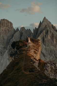 This engagement shoot in the Italian Dolomites is what dreams are made of - 100 Layer Cake Congrats On Your Engagement, 100 Layer Cake, Small Boats, Wedding Shoot, Engagement Shoots, Wedding Portraits, Monument Valley, Layers, Dreams