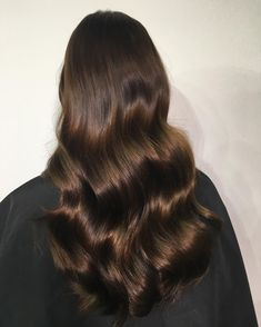 Espresso Base with Hazel Ribbons - 60 Chocolate Brown Hair Color Ideas for Brunettes - The Trending Hairstyle Q Hair, Hair Day, Brown Hair Shades, Brown Hair Colors, Pretty Brown Hair, Hair Colour, Chocolate Brown Hair, Brunette Hair, Hair Highlights