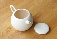 Porcelain Works by Kazumi Kato at OEN Shop | OEN