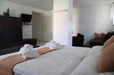 Room at Residenz Velich, Apetlon, Burgenland, Austria/Zimmer in der Residenz Velich in Apetlon im Burgenland, Österreich