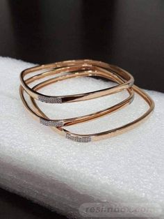 25 trendy Ideas for jewerly simple bracelets jewels 25 trendy Ideas for jewerly simple bracelets jewels Plain Gold Bangles, Gold Bangles Design, Gold Jewellery Design, Handmade Jewellery, Rose Gold Bangles, Indian Gold Bangles, Gold Jewelry Simple, Silver Jewelry, Simple Bracelets