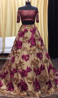 (notitle) - Saree and blouses - Gowns Pakistani Fashion Party Wear, Indian Fashion Dresses, Pakistani Wedding Outfits, Indian Bridal Outfits, Indian Gowns Dresses, Dress Indian Style, Pakistani Dress Design, Indian Designer Outfits, Pakistani Dresses