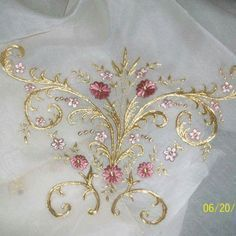 Marvelous Crewel Embroidery Long Short Soft Shading In Colors Ideas. Enchanting Crewel Embroidery Long Short Soft Shading In Colors Ideas. Tambour Embroidery, Hand Work Embroidery, Machine Embroidery Applique, Hand Embroidery Designs, Beaded Embroidery, Floral Embroidery, Ribbon Embroidery Tutorial, Silk Ribbon Embroidery, Wedding Embroidery
