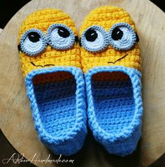 crochet minion slippers - NO pattern, but could use as a guide using similiar slipper pattern