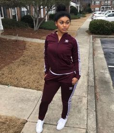 Sometimes we feel like we got life all planned out. We plan for the f… Cute Comfy Outfits, Chill Outfits, Summer Outfits, Adidas Outfit, Nike Outfits, Burgundy Outfit, Sport Outfit, Vetement Fashion, Girl Fashion