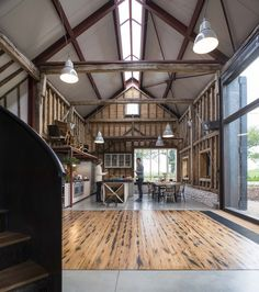 The Ancient Party Barn / Liddicoat & Goldhill , © Will Scott