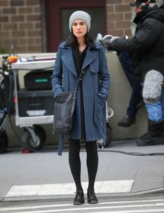 Take a cue from Jennifer Connelly's cozy fall style and bundle up this weekend! More style tips at Chatelaine.com