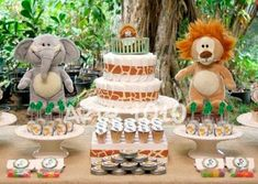 chá de bebê safari Baby Shower Cakes, Baby Shower Treats, Baby Boy Shower, Baby Showers, Baby Decor, Baby Shower Decorations, Jungle Diaper Cakes, Baby Boy Themes, Gender Party