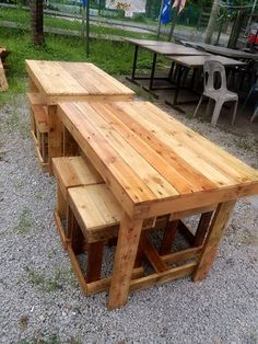 Pallet Picnic/Beverage Party Set - Bar Table and Stool - 130+ Inspired Wood Pallet Projects | 101 Pallet Ideas - Part 6