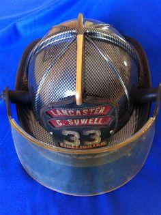 Fire Helmet dipped in Carbon Fiber. Firefighter Tools, Firefighter Paramedic, Volunteer Firefighter, Firefighter Tattoos, Fire Dept, Fire Department, Hydro Printing, Fire Helmet, Cool Fire