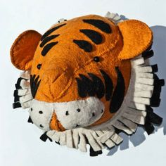 trophee peluche tigre pour deco jungle chambre bebe ou enfant sur PEP UP DESIGN