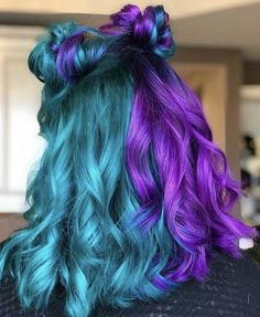 Image about girl in Hair💫👸🏼 by Tamara Camps. on We Heart It and half hair color Image about girl in Hair💫👸🏼 by Tamara Camps. on We Heart It Two Color Hair, Cute Hair Colors, Pretty Hair Color, Hair Dye Colors, Bright Hair Colors, Split Dyed Hair, Dyed Hair Blue, Teal Hair, Dye My Hair