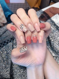 9 Vintage Wedding Nail Art For Brides For Classy Look Polygel Nails, Hair And Nails, Spring Nails, Summer Nails, Vintage Wedding Nails, Angel Nails, Bride Nails, Nail Jewelry, Aesthetic Makeup