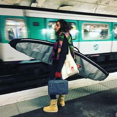 From bzhfeverNo waves are coming from this way... 🌊 🚫#metroboulotdodo #waitingperiod #search #dukokalane #ratphotography #paris #dingrepair #hawaiisurfmetroboulotdodo,search,paris,dingrepair,hawaiisurf,dukokalane,ratphotography,waitingperiod