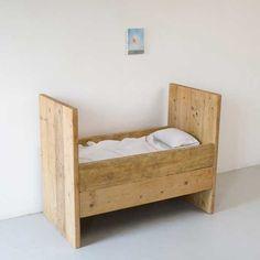reclaimed wood crib//Katrin Arens