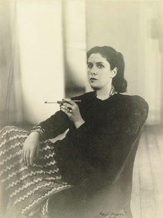 Rogi André   -  Dora Maar, Paris      1947