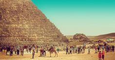 Las Piramides de Giza durante El Mar Rojohttp://www.ibisegypttours.com/es/viajes-a-egipto/viajes-mar-rojo/viajes-hurgada-el-cairo