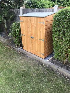 Outdoor Tools, Outdoor Storage, Small Narrow Garden Ideas, Shutter Doors, Tool Sheds, Outdoor Furniture, Outdoor Decor, Shutters, Image