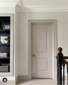 Interior Door Colors, Painted Interior Doors, Painted Doors, Architrave, Coving, Interior Decorating, Interior Design, Home Living Room, Interior Inspiration