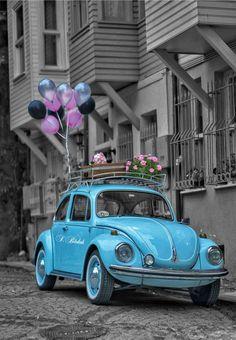Cute wallpapers Wedding Favor Basics Handing wedding guests a wedding favor has almost become a trad Auto Retro, Retro Cars, Vintage Cars, Color Splash, Color Pop, Colour, Volkswagen, My Dream Car, Dream Cars