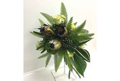 Rustic Bouquet for settings such as museums, gardens, historical sites, barns, seashore and even forest ceremonies.