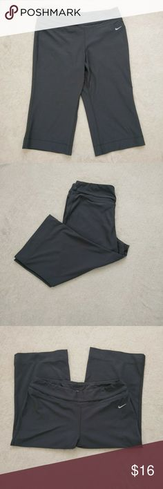Nike Fit Dry Fitness Capri Pants Nike Fit Dry Cropped Capri Track, Yoga, or Finess Capri Pants... Excellent Condition,no holes or stains. Nike Pants Ankle & Cropped