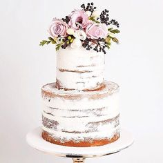 Yummy blush tones on a naked cake | : @lovefindco