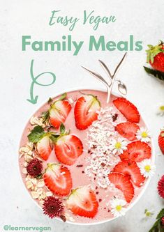 Easy Vegan Family Meals: Kid Friendly! Whether you're really busy, struggling to find food everybody will eat, or just bored of your go-to dishes, this post is for you! The easy vegan dishes are full… Protein Smoothies, Apple Smoothies, Protein Shake Recipes, Smoothie Recipes, Protein Shakes, Clean Eating Snacks, Healthy Snacks, Healthy Breakfasts, Eating Healthy