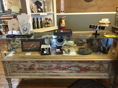 Plan to spend an hour, an afternoon or a day, you'll not run out of places to browse when you visit the outstanding flea markets inNorthwest Arkansas – North (Bentonville, Rogers and Lowell). They are packed full and have something for everyone – young, old, male or female. Avail yourself of the awesome savings available …