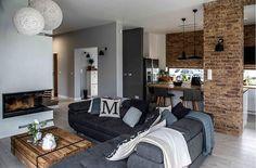 ל אף הבחירה בצבע האפור על גווניו השונים, הצליח העיצוב בדירה הזו שבפרברי ורשה לשמור על חמימות בעזרת שילוב פריטי עץ וסטיילינג אופנתי ומוקפד. עכשיו באתר ❣