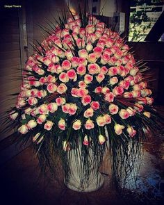 Imagine pink rose and roses bouquet