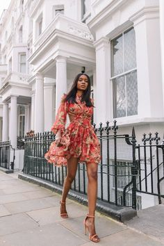 39 Ultimate Women Spring Outfit with Floral Dress To Beautify Your Style - Damen Mode 2019 Fashion Me Now, Latest Fashion For Women, Look Fashion, Feminine Fashion, Unique Fashion, Womens Fashion, Fashion Spring, Feminine Style, Fashion Beauty