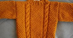 Taille 6 mois Aiguilles et aiguille circulaire pour le col ( f. Baby Boy Knitting Patterns, Baby Cardigan Knitting Pattern, Knitting For Kids, Easy Knitting, Baby Patterns, Pull Torsadé, Pull Bebe, Baby Sweaters, Crochet Baby
