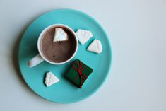 Make diamond-shaped marshmallows.   51 DIY Ways To Throw The Best New Year's Party Ever