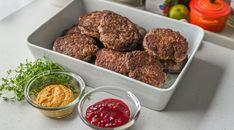 Elgkarbonader - Med denne oppskriften blir de saftige og ... | Gladkokken Ethnic Recipes, Food, Essen, Meals, Yemek, Eten