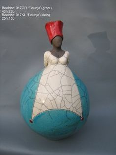 Galerie Amede is under construction Paper Mache Sculpture, Sculptures Céramiques, Pottery Sculpture, Sculpture Art, Ceramic Figures, Clay Figures, African Pottery, Creative Arts And Crafts, Raku Pottery