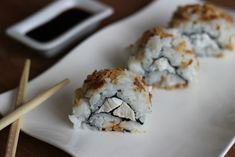 california makis  poulet chèvre miel Sushi, Food Dishes, Vegan, Onigiri Recipe, Herbal Teas, Japanese Cuisine, Pregnancy