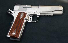 Smith & Wesson Mod 1911 45 cal